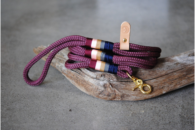 Leash Burgundy/hummingbird/Brass