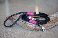 Leash Black/Fuchsia Bush
