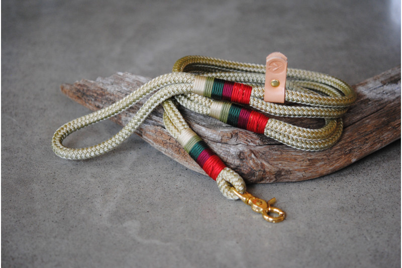 Leash Gold/pine needles/Brass