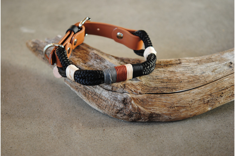 Adjustable collar Burberry